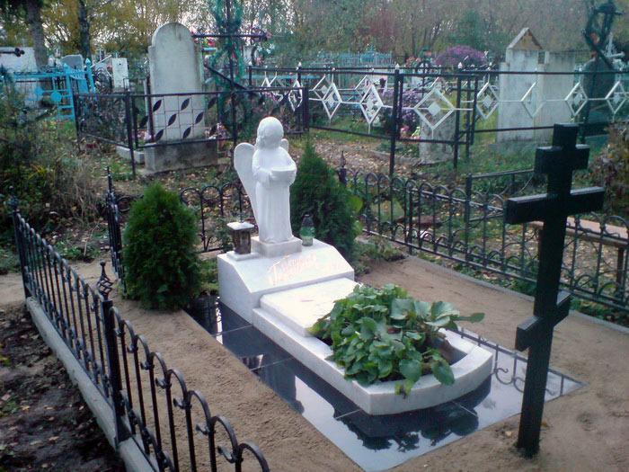 узнать цены на надгробия из камня